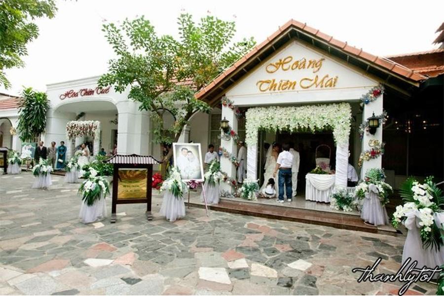 Tiệc cưới tại nhà hàng Vườn Thiên Thai tuy đơn giản nhưng không kém phần tinh tế