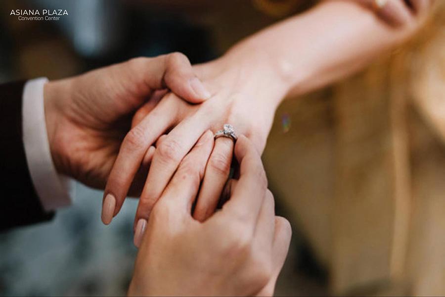 Cách xem ngày cưới hỏi theo tuổi vợ chồng rất quan trọng