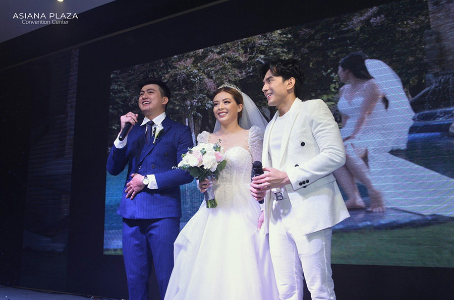 Cô dâu chú rể cùng nhau nói lời cảm ơn sau đám cưới