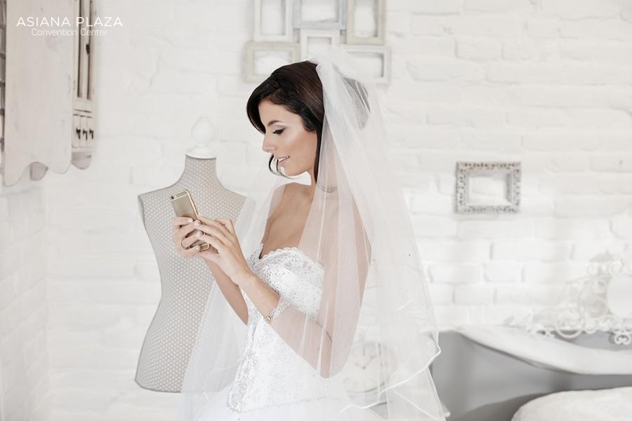 Khi không có điều kiện mời trực tiếp mới chọn giải pháp mời cưới qua điện thoại