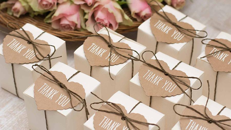 Gửi quà tặng sau đám cưới cũng là một lời cảm ơn thiết thực