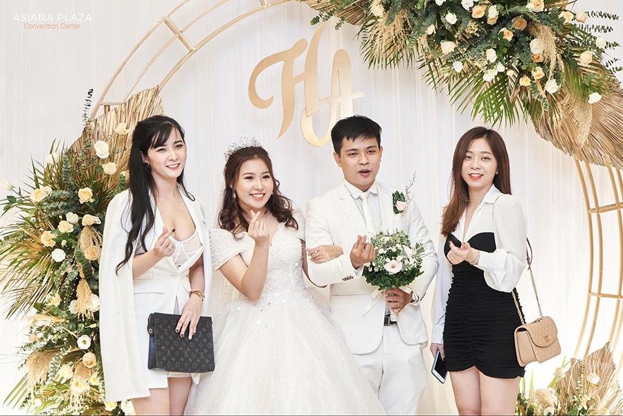 Lễ báo hỷ cô dâu mặc gì
