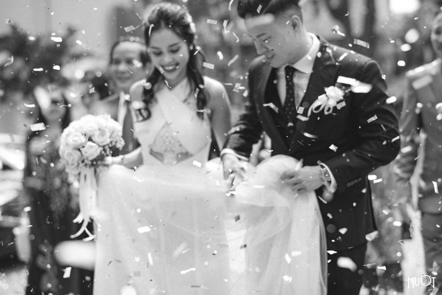 Các nghi thức lễ vu quy thường được hai họ tiến hành tại nhà, sau đó sẽ di chuyển đến trung tâm hội nghị tiệc cưới để đãi tiệc / Nguồn ảnh: Internet